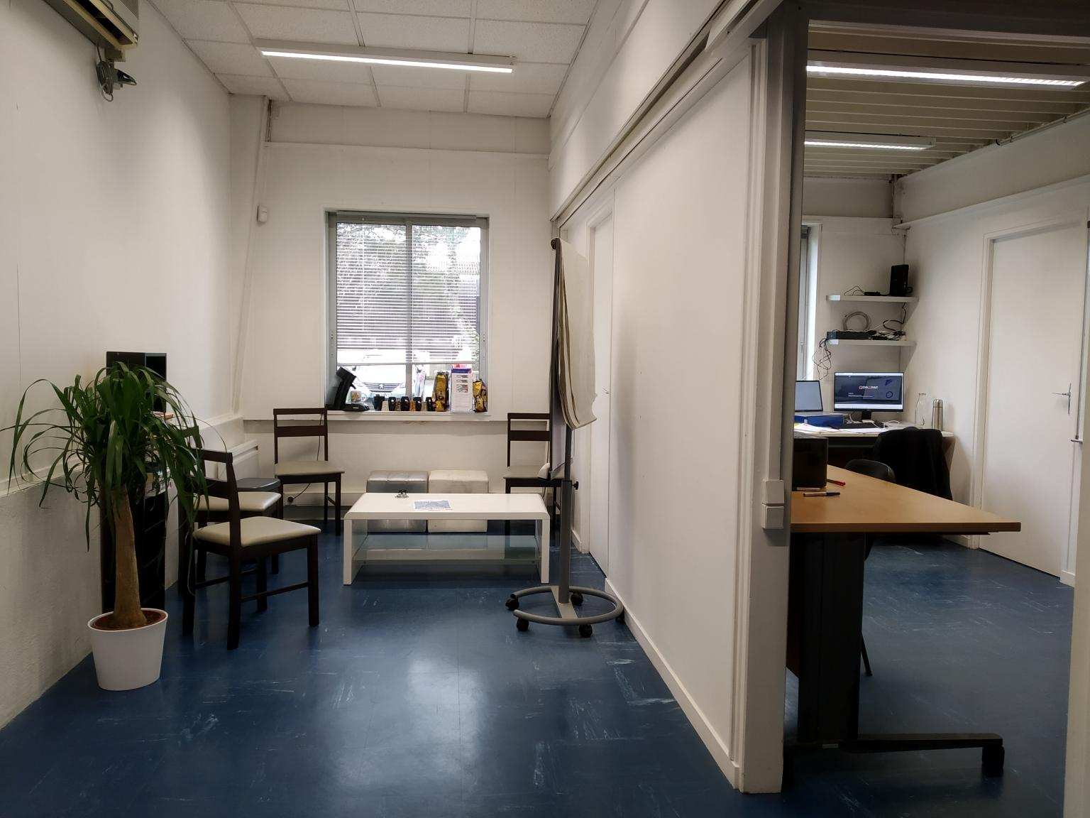 local-entreprise-pépinière-daqsan-bureau.jpg